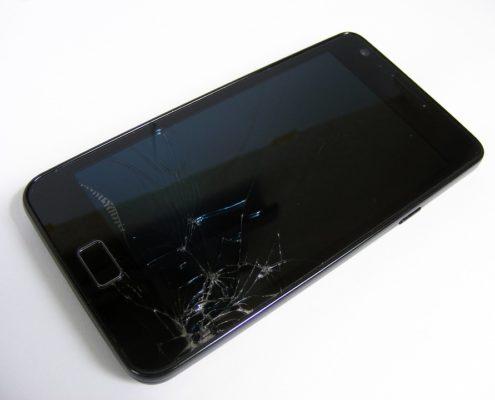 Schermo smartphone rotto