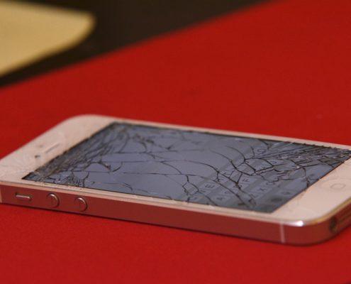 iPhone bagnato non si accende