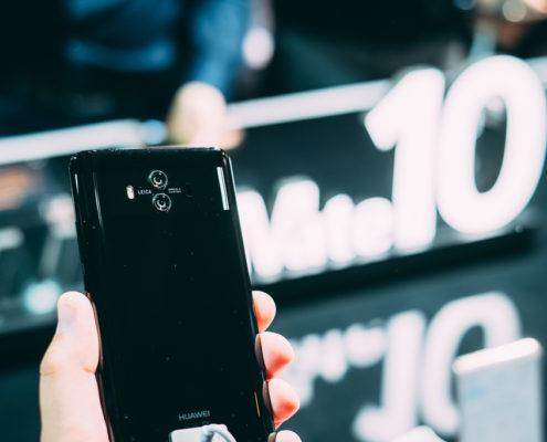 Costo della sostituzione del vetro dell'Huawei Mate 10