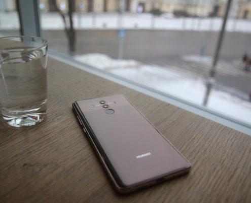 Schermo rotto dell'Huawei Mate 10