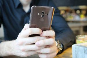Sostituzione del vetro dell'Huawei Mate 10